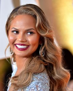 Chrissy Teigen  5 Change-Your-Life Beauty Tips From the 2015 Oscar Red Carpet