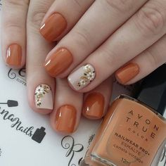 No photo description available. Short Nail Manicure, Diy Nails, Fancy Nails, Love Nails, Stylish Nails, Trendy Nails, Nails Only, Pretty Nail Art, Nail Polish Designs