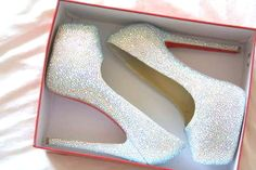 sparkly white bridal shoes.  via p-a-r-t-y-planning.tumblr.com  source: glamour-glitter-gold