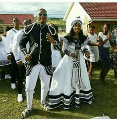 Xhosa wedding traditional dresses You can examine all tattoo models and print them out. Xhosa Attire, African Attire, African Fashion Dresses, African Wear, African Dress, Ankara Fashion, African Traditional Wedding Dress, Traditional Wedding Attire, African Wedding Dress