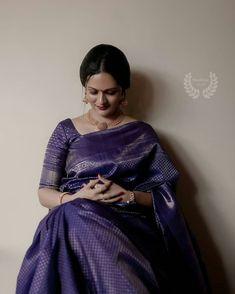 Check out this list of Bhargavi Kunam's creations for your perfect wedding silk sarees! It provides elegant, modern, fusion, sophisticated and classy silk sarees. Wedding Saree Blouse Designs, Pattu Saree Blouse Designs, Fancy Blouse Designs, Trendy Sarees, Stylish Sarees, Christian Bridal Saree, Sari Dress, Saree Trends, Saree Models