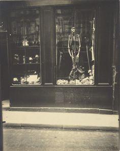 Le Paris de 1900 par Atget Atget Paris Naturaliste rue de lcole de mdicine 600x750