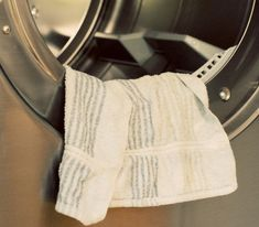 Fabric Softener, Hand Towels, Clean House, Cleaning Hacks, Household, Cool Stuff, Laundry, Decoration, Easy