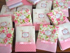 ideas for scent satchels Easy Crafts, Diy And Crafts, Fabric Crafts, Paper Crafts, Sewing Projects, Projects To Try, Fabric Journals, Ideas Para Fiestas, Bookbinding