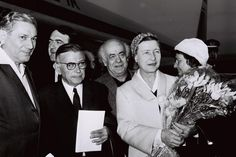 Simone de Beauvoir arriving in Israel with Jean-Paul Sartre, 1967. Photo: Milner Moshe, via Wikimedia Commons.