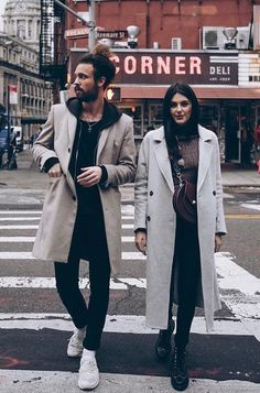 New York Street Style New York Street Style, Stylish Couple, Suckers, Urban Style, Look Alike, Urban Fashion, Couple Goals, Mantel, Nyc