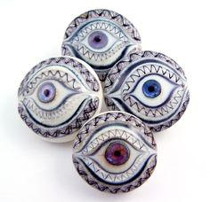 Jari Sheese - Lampwork Button Artist