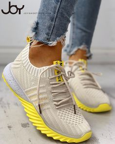 Colorblock Knitted Breathable Lace-Up Yeezy Sneakers - Mode - Yeezy Sneakers, Moda Sneakers, Sneakers Mode, Casual Sneakers, Sneakers Fashion, Fashion Shoes, Shoes Sneakers, Nike Shoes, Sneakers Design