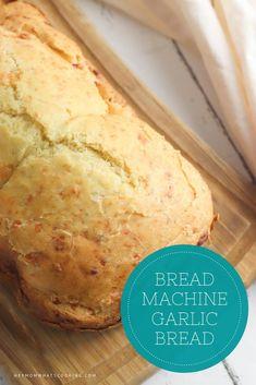 Bread Machine Garlic Bread Recipe, Easy Bread Machine Recipes, Best Bread Machine, Bread Soup, Bread Maker Recipes, Yeast Bread, Malt Loaf, Dinner Bread, Cheesy Garlic Bread