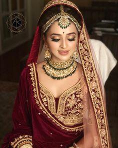 ideas for indian bridal makeup sabyasachi Indian Bridal Outfits, Indian Bridal Fashion, Indian Bridal Makeup, Indian Bridal Wear, Asian Bridal, Bridal Makeup Looks, Bridal Looks, Bridal Style, Wedding Makeup