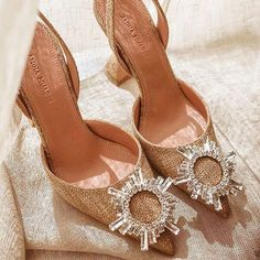 The BEGUM slingback in natural canvas featuring the signature starburst crystal buckle is an exclusive style from the Amina Muaddi x… Dr Shoes, Crazy Shoes, Me Too Shoes, Pretty Shoes, Beautiful Shoes, Cute Shoes, Girls Heels, Bride Accessories, Carrie Bradshaw