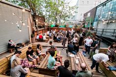 Houdini Kitchen Laboratory Debuts Beer Garden in Brooklyn: Houdini Kitchen Laboratory is nestled in the up-and-coming Bushwick neighborhood dishing out delicious pizzas in their new outdoor space.