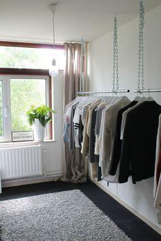 New Clothes Closet Hanging Bedrooms Ideas Walk In Closet Diy, Boutique Interior, Pinterest Room Decor, Casa Retro, Open Wardrobe, Closet Designs, New Room, Small Rooms, Interior Design Living Room