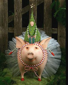 Christmas Pig in tutu....@Marisa Rouzic Pennington Foster #bemorefestive #choosetobemorefestive