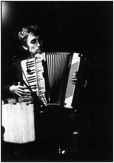 Yann Tiersen + accordion