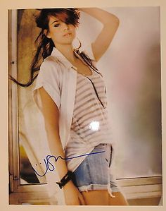 Shailene Woodley Autographed Signed 11X14 COA *Wow* The Descendants Rare
