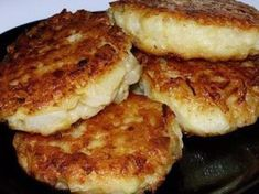 Lenten Oatmeal CUTLETS Meatless oat cakes mainly consumed during fasting, but they are just as well suited to a vegetarian diet. Vegetarian Recipes, Cooking Recipes, Healthy Recipes, Great Recipes, Favorite Recipes, Good Food, Yummy Food, Pasta, Russian Recipes