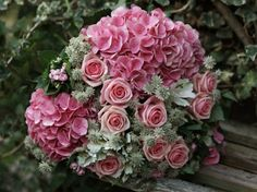 Beautiful Mother's Day floral arrangements from Jane Packer | Flowerona
