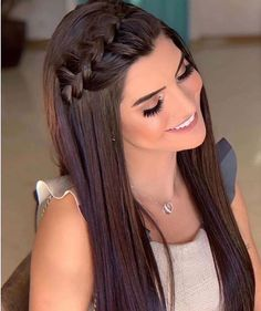 Shaggy Blonde Waves - 40 Picture-Perfect Hairstyles for Long Thin Hair - The Trending Hairstyle Sporty Hairstyles, Easy Hairstyles For Long Hair, Braids For Long Hair, Trending Hairstyles, Long Curly Hair, Ponytail Hairstyles, Pretty Hairstyles, Curly Hair Styles, Hairstyle Ideas