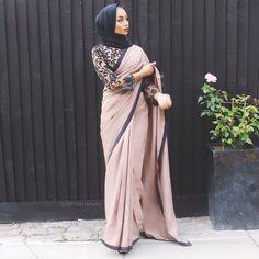 Stylish Hijab With Saree, Try This Beautiful References 40 - Nona Gaya Modern Hijab Fashion, Hijab Fashion Inspiration, Abaya Fashion, Muslim Fashion, Bollywood Fashion, Fashion Dresses, Turban Hijab, Mode Turban, Eid Dresses