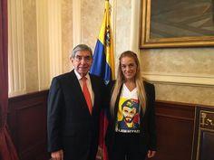 Esposa de Leopoldo López se reúne con Óscar Arias