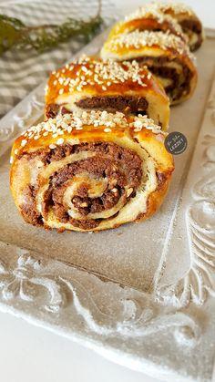 Pastiç Greek Desserts, Italian Desserts, Easy Desserts, Dinner Recipes, Dessert Recipes, Types Of Bread, Arabic Sweets, Trifle, Soul Food