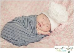 Bella Bean Photography www.facebook.com/bellabeanphotos #bellabeanphoto Families #familyportraits #whattowear #portraits #maternity #children #photos #kids #family #baby #weddings #engagements #farm #phoenix #kids #seniors