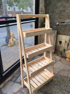 Amazing DIY Wood Produce Storage Solutions To Keep Fresh Fruit To Make It Last Longer - Modernity Decor Repurposed Wood Projects, Recycled Wood, Easy Woodworking Projects, Woodworking Plans, Woodworking Classes, Youtube Woodworking, Woodworking Equipment, Woodworking Store, Woodworking Basics