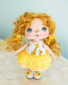 This sunny little girl makes me happy. When I see her, I can't stop thinking about all the cheerful moments I had in my life. She brings me joy and thankfulness to every little thing which has happened to me, and I can't stop smiling  #alicemoonclub #ooak #textiledolls #handmadedoll #nicegift #clothesdoll #heirloom #customdoll #doll #dolly #interiordoll #shophandmade #dolls #gift #bestgift #artdolls #vintage #unique #picoftheday #girl #giftideas #christmas #decoration #dollmaker #collect...