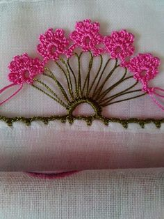 Various Writing Roses Examples Crochet Trim, Crochet Motif, Irish Crochet, Crochet Lace, Crochet Stitches, Crochet Edgings, Crochet Boarders, Crochet Flower Patterns, Crochet Flowers