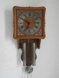 3a1c61bc9c79 Reloj Antiguo De Pared Alemán Con Pesas Y Péndulo Funciona Bien Y Da  Campanadas • 84.56