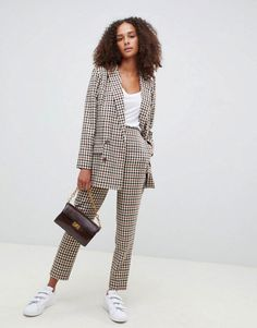 Buy ASOS DESIGN Tailored heritage check slim trousers at ASOS. Get the latest trends with ASOS now. Chic Office Outfit, Office Attire, Office Chic, Stylish Outfits, Fall Outfits, Fashion Outfits, Sweater Outfits, Cheap Fashion, Womens Fashion