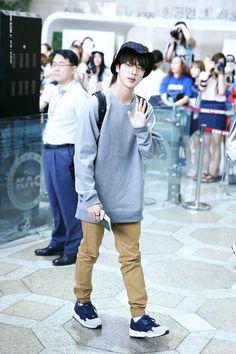 He looks soooo cute....