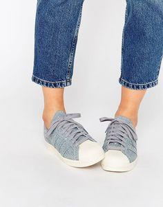 Imagen 1 de Zapatillas de deporte estilo años 80 con estampado de serpiente Superstar de adidas Originals