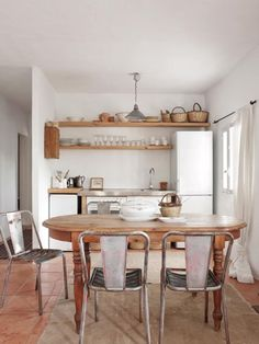 Dining Room Kitchen / A Natural Style Summer Home On Ibiza