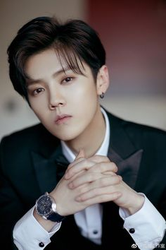 20190115 LuHan Studio Weibo Update: The special bonus attached to the postcard from Boss Lu, to all of you who have been caring always.