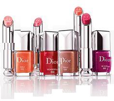 Descubra o novo Dior Addict Lipstick, o primeiro batom comcentro em gel hidratante e um efeito de top coat.