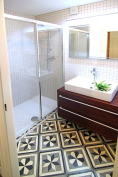 modern bathroom, antique tile