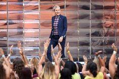 Jackie Brown, The Ellen Show, Kill Bill, Quentin Tarantino, Pulp Fiction, Buzzfeed, Hollywood Divas, Ellen Degeneres Show, Staff Meetings
