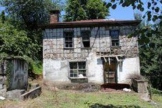 Kimsesiz... Cabin, House Styles, Plants, Home Decor, Decoration Home, Room Decor, Cabins, Cottage, Plant