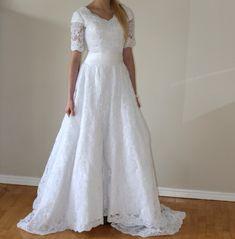 Elizabeth Cooper Design | wedding dress | modest | sleeves | modest wedding dress | wedding gown | utah | wedding dress with sleeves | lace |