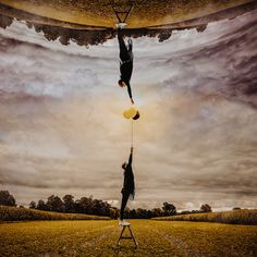 Editors' Selection 2017-10-17 » UntenOben « Ⓒ Photographer Christian Burghardt  http://strkng.com/s/dm1  People / Europe / Germany / Langweid http://strkng.com/en/photographer/Christian+Burghardt/    #strkng #People #Europe #Germany #Christian_Burghardt #Langweid #bestof #international #contemporary #photography #luftballons #landschaft #fujifilm #mädchen #girl #photoshop #abstrakt #leiter #oben #unten
