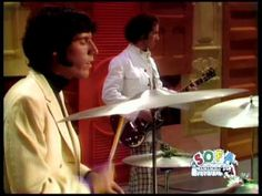 The Doors made a controversial appearance on the Ed Sullivan Show in 1967 with Jim Morrison performing Light My Fire and People Are Strange. Kinds Of Music, Music Is Life, Mtv Videos, Music Videos, New York Entertainment, Rock Music History, Doors Albums, Doors Music, The Ed Sullivan Show