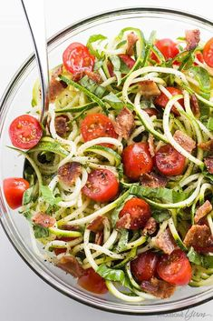Zucchini Noodle Salad Recipe with Bacon & Tomatoes (Low Carb, Paleo) - This cold zucchini noodle salad recipe is a delicious, healthy way to enjoy raw spiralized zucchini noodles. Quick & easy with common ingredients! Salad Recipes With Bacon, Pasta Salad Recipes, Bacon Recipes, Diet Recipes, Cooking Recipes, Healthy Recipes, Freezer Recipes, Freezer Cooking, Zucchini Noodles Salad Recipe