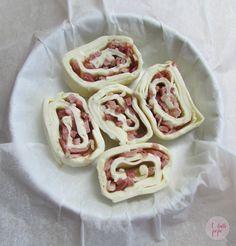 Torta girella di sfoglia con formaggio Camoscio d'Oro e speck... un finger food da favola! #camosciodoro