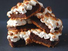 These'll go fast at any party. S'mores Brownie Bars #recipe
