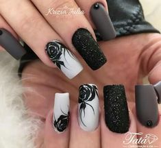 Pedicure designs white toenails black New Ideas Goth Nails, Aycrlic Nails, Fun Nails, Black Nail Designs, Nail Art Designs, Shellac Pedicure, Black Pedicure, Pedicure Designs, Nail Jewelry