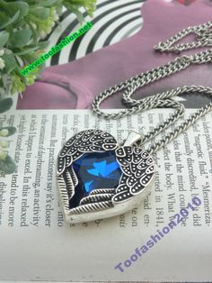 Pretty retro silver blue crystal heart shape with two angel wings necklace pendant jewelry vintage style