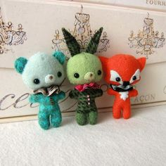 Make your own Bunny, Bear and Fox Brooches... buy the pattern for $15 from Gingermelon's etsy shop