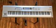Korg Triton Le 88key MUSIC WORKSTATION KEYBOARD with Stand & Pedal